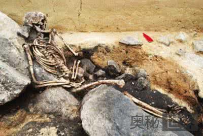 青铜时代埋葬女尸使用坐姿