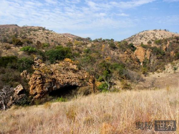 南方古猿源泉种居住的山洞