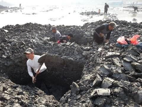 靖远古人类遗址遭到挖宝村民的破坏