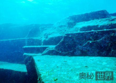 日本海底现巨型金字塔