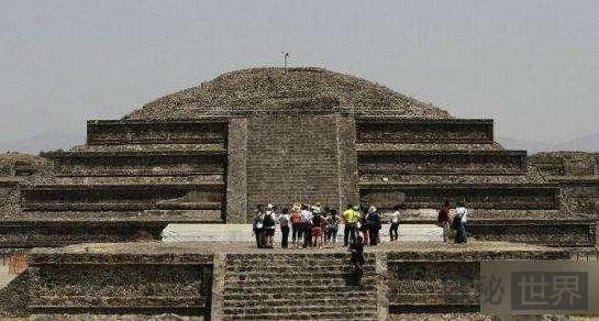 揭秘墨西哥的地下金字塔