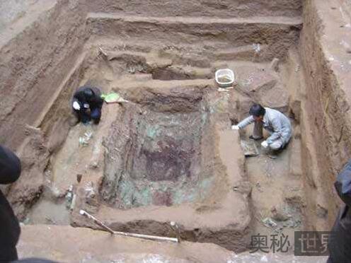 陕西发现2800年前周朝诸侯大墓