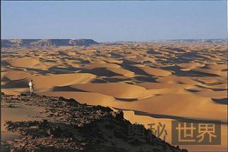 今非昔比的埃及沙海