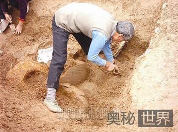 四川兔儿墩古墓群发现西汉豪华土坑墓