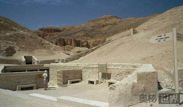 埃及纳芙蒂蒂王后墓
