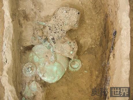 木棺中的莫切男性精英骸骨