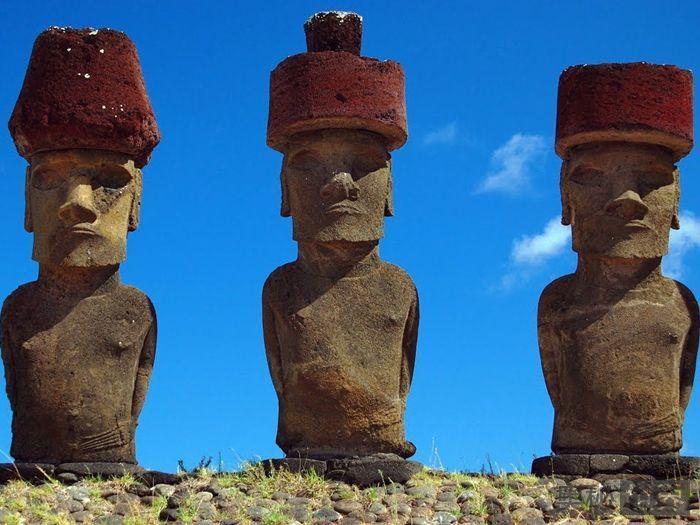 """复活节岛石像戴""""帽子""""之谜"""