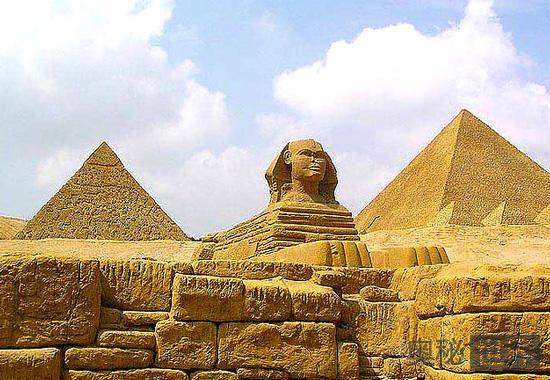 古埃及金字塔