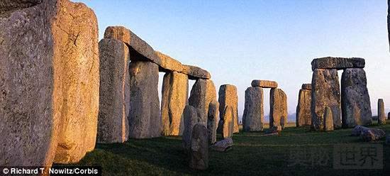 """英国巨石阵""""神秘力量""""谜团破解"""