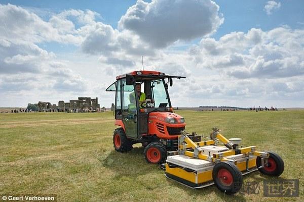 英国发现巨石阵地下埋着另一个巨石阵