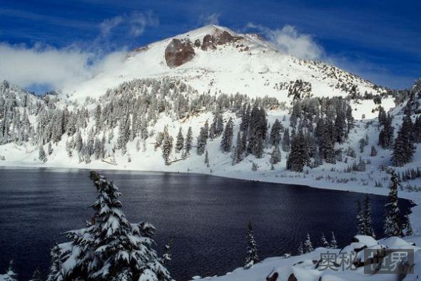 加利福利亚州拉森火山中心