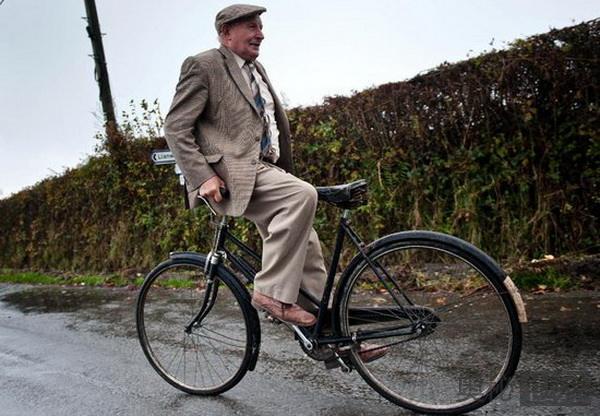 英国有钱人爱骑自行车
