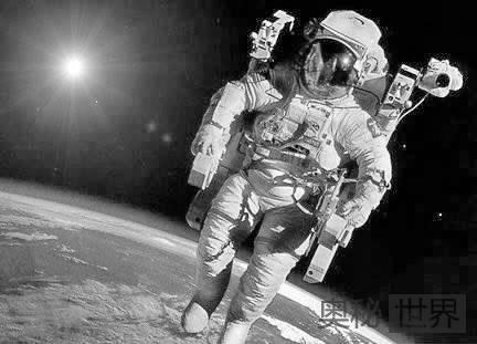 外太空没有地心引力