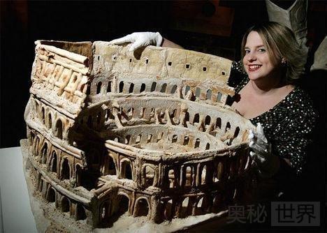 比萨罗马圆形大剧场