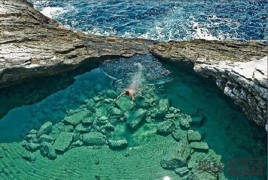 希腊萨索斯岛的泻湖
