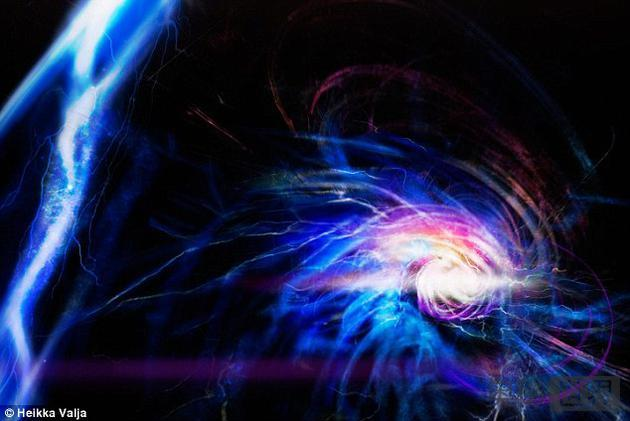 """神秘""""球形闪电""""被制造出来了!为可控核聚变铺平道"""