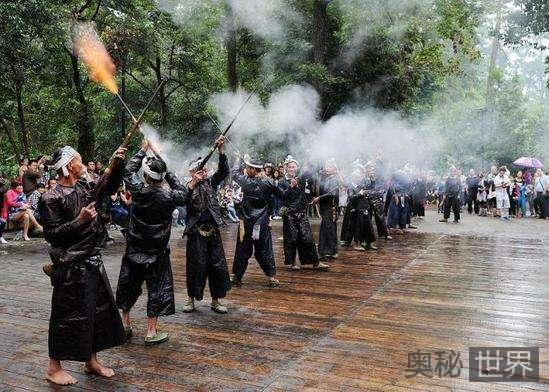 岜沙:中国最后一个枪手部落