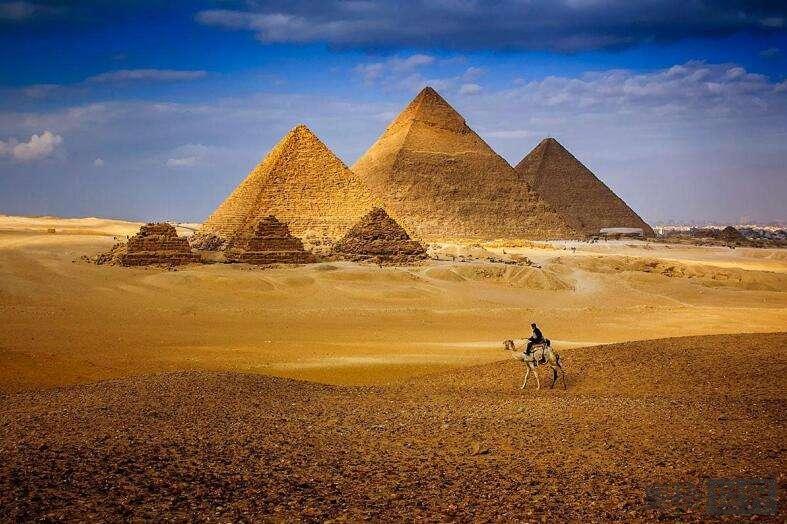 古埃及金字塔真的是伪造的吗?