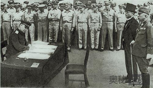 日本无条件投降是因为美国的原子弹吗