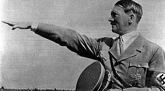 希特勒为何与犹太人从朋友成仇敌