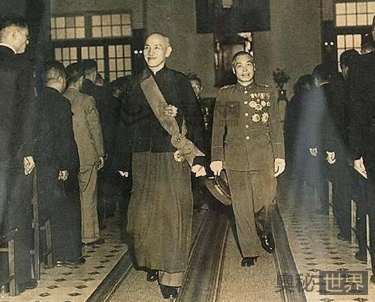 蒋介石白天干革命,晚上逛妓院