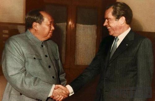 尼克松如何评价蒋介石与毛泽东