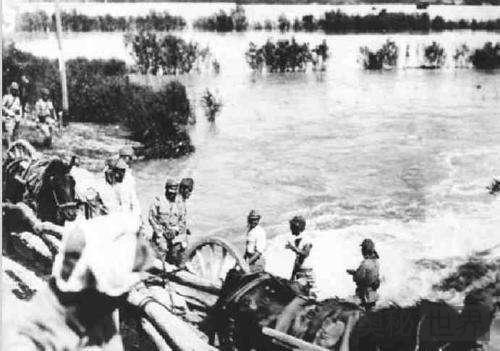 蒋介石炸开花园口抵抗日军淹死89万群众