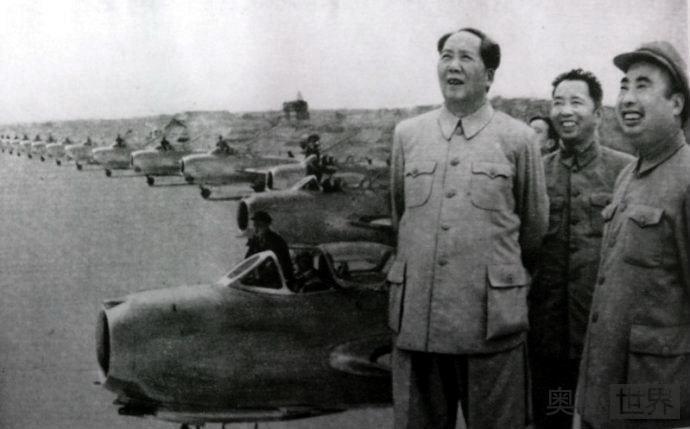 毛泽东决定下放知青的始末