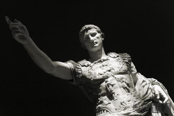 恺撒·奥古斯都