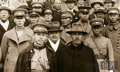 西安事变之后,东北军十几万部队为何没能营救张学良?