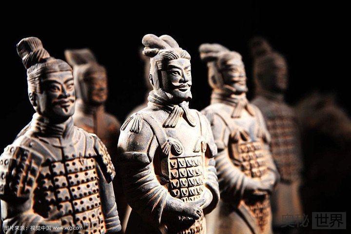 中国历代如何评价秦始皇