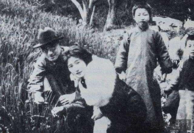 金庸为徐志摩写挽联,十四字戳中情感债