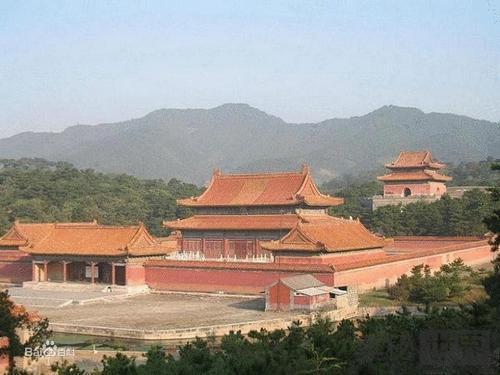 清朝康熙皇帝的景陵里为何葬了48个后妃