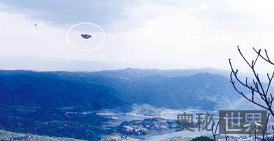 昆明北郊上空出现蝴蝶状UFO