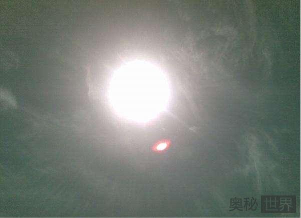 吉林女子遭神秘UFO红光伤害