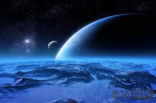 地球的引力在古代扭曲了月球的形状