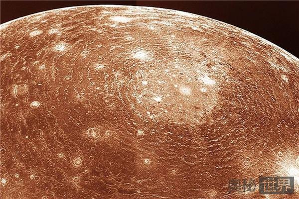 旅行者1号拍的冥王星近照,花了多少时间才传回来?