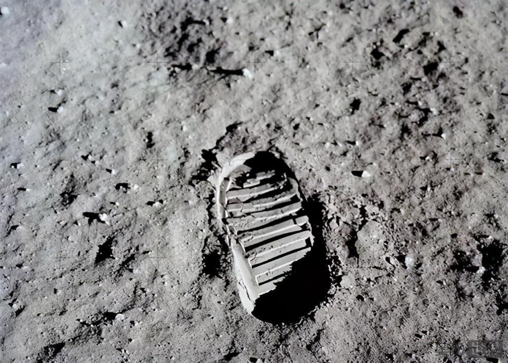 阿波罗登月计划疑点重重,这真的是精心策划的一场骗局吗?