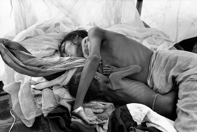 1971年印度加尔各答的一处难民营,该地区容纳了将近26万孟加拉难民