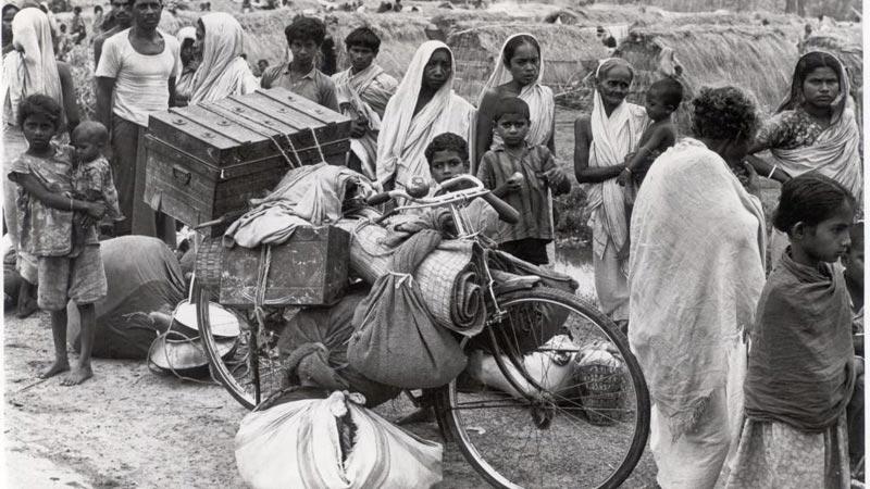 1971年,逃离故土的孟加拉难民。