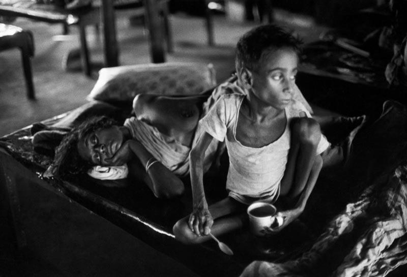 1971年,位于印度的孟加拉难民营里的难民。