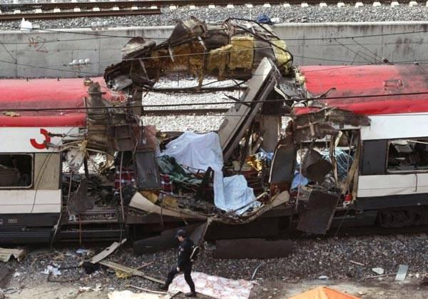 美国并不是恐怖主义袭击的唯一目标。在2004年3月11日,西班牙马德里的一辆通勤列车在下班高峰期发生爆炸。此事件发生在该国大选的前3天。