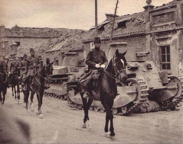 """1931年9月18日,日本在沈阳制造""""九一八事变"""",强行占领东北三省,使三千多万名同胞沦为日军铁蹄下的奴隶。"""