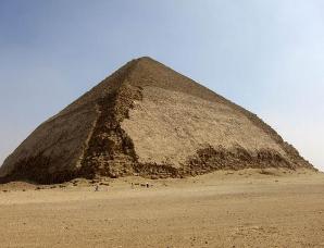埃及金字塔内部的宇宙粒子将揭晓其建造之谜