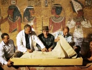 古埃及法老图坦卡蒙的身世之谜