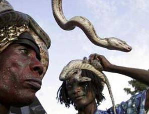 """南亚神秘的""""蛇人""""部落"""