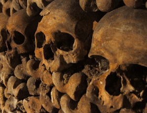探秘巴黎地下墓穴:600万人遗骸构成死亡帝国