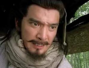 在《水浒传》中林冲为何不杀被俘上梁山的高俅?
