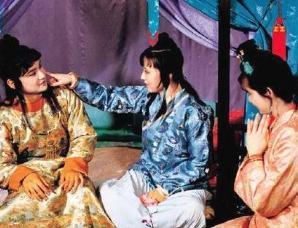 贾宝玉和薛宝钗的新婚之夜发生了什么