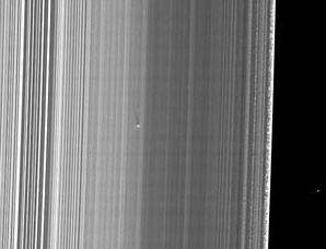 卡西尼号拍摄到土星光环中的新卫星